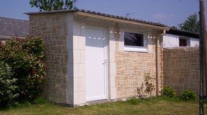 Abris de jardin en b ton et b ton aspect bois sur mesure for Porte pour abri de jardin en pvc